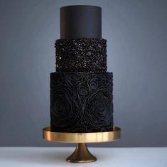 Nothing is more fabulous, nothing more fierce than this stunning cake, flawless!!! ��:@tortikannuchka weddingcakes http://gelinshop.com/ipost/1526530679629106263/?code=BUvU5CyB0xX