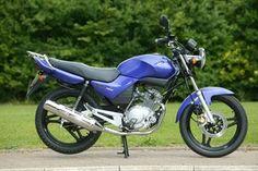 Yamaha YBR125 motorcycle review - Side view