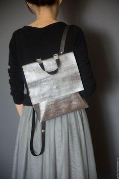 Картинки по запросу Серебристый городской рюкзак фото