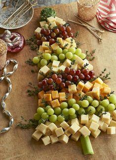 25 Elegant Christmas Party Table Decorations Ideas (25)