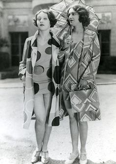 1920s beach fashion