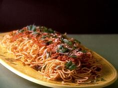Spaghetti with Olives and Tomato Sauce recipe from Giada De Laurentiis ...