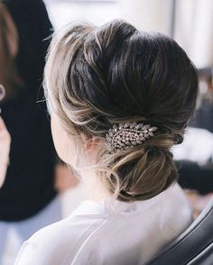 CHIC SIDE BUN Want flawless wedding hair & makeup with zero stress? We gotchu! Go ahead and schedule your free consultation call today - link in bio @WindyCityGlam! . #chicagobridalmakeup #chicagomakeupartist #chicagoweddingmakeup #chicagobride #chicagomua #chicagowedding #chicagobridalmakeupartist #chicagobridalmua #chicagoweddingmua #chicagoweddingmakeupartist #chicagoweddingplanning #chicagoweddingphotographer #chicagobridalhair #chicagohairstylist #chicagoweddinghair #chicagoweddinginspirati