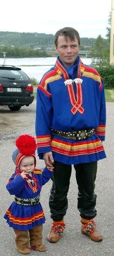 Scandinavian Folklore Clothes Kola Peninsula, Lappland, People Of The World, Baby Daddy, Ethnic Fashion, Ancestry, Folklore, Art World, Traditional Outfits