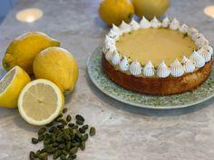 GLAD MED GLAD PÅ! Ambassadør for KitchenAid 2020 - Liv Martine Kitchenaid, Camembert Cheese, Cheesecake, Food, Cheese Pies, Cheesecakes, Meals, Yemek, Kitchenaid Artisan