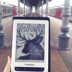 1:15 p.m. #Happybookbirthday to #TheRavenKing ! #maggiestievater #ravencycle #currentlyreading #bookstagram #bookstagrammer by booksurfer