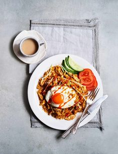 Traditional Nasi Goreng Recipe Check out this traditional nasi goreng recipe with chicken, topped with super crispy fried eggs and punchy hot sauce. This simple Indonesian recipe makes a comforting weekend recipe to feed the whole family