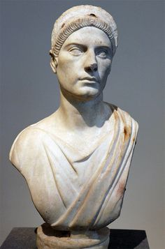 Woman, Roman bust (marble), 2nd century AD, (Metropolitan Museum of Art, New York).