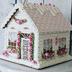 BEAUTIFUL GINGERBREAD HOUSE INSPIRATION #gingerbreadhouses