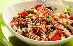 Receita Super Fácil de Salada de Macarrão Integral