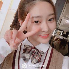 Kpop Girl Groups, Kpop Girls, Ulzzang, Forever Girl, Mood And Tone, Yu Jin, Japanese Girl Group, Jaehyun Nct, Star Girl