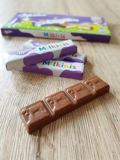 And actually, the little bars of Milka chocolate that go along with the name are rather sweet Milka Chocolate, Cadbury Chocolate, Chocolate Lovers, Sleepover Food, Food Wishes, Food Diary, Food Design, Oreo, Yummy Treats