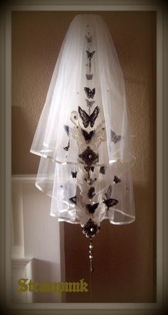 Steampunk Bronzed Butterfly Garden 2 Tier Elbow Length Ivory Wedding Veil £229.95
