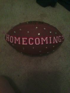 Cutest way to get asked to homecoming if ur a cheerleader. (Which i am)!!