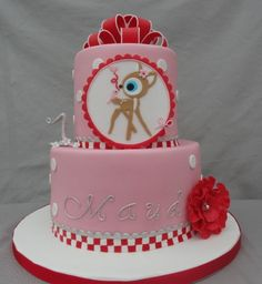 Not loving the color of the cake but change up the eye and I like the deer. Fondant Cake Designs, Fondant Cakes, Cupcake Cakes, Pretty Cakes, Cute Cakes, Beautiful Cakes, Little Girl Cakes, Reindeer Cakes, Fantasy Cake