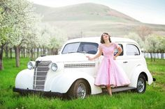 absolutely in LOVE with this senior shoot. the vintage car, the blossoming fruit orchards, the vintage dress. Senior Portrait Photography, Girl Photography, Senior Portraits, Photography Ideas, Wedding Photography, Car Poses, Prom Poses, Pin Up, Prom Couples