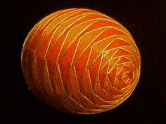 Rose garden pattern Temari egg