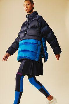 Tory Sport Fall 2019 Ready-to-Wear Fashion Show - Vogue Trekking Outfit, Style Sportif, Outdoor Wear, Winter Jackets Women, Sport Pants, Fashion Show Collection, Models, Sport Wear, Outerwear Women