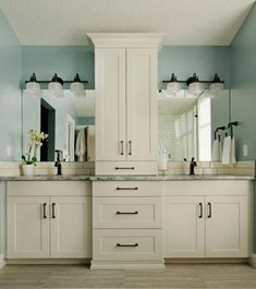 Beautiful master bathroom furnishings tips. Modern Farmhouse, Rustic Modern, Classic, light and airy bathroom design some tips. Master Bathroom makeover a few a few ideas and bathroom remodel suggestions. Master Bathroom Vanity, Master Bathroom Layout, Bathroom With Double Vanity, White Bathroom Vanities, Industrial Bathroom Vanity, Built In Vanity, Bathroom Mirror Makeover, Bathroom Marble, Bad Inspiration