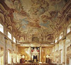 Ordensaal mit dem Thron Königs Friedrich im Residenzschloss Ludwigsburg