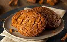 Low Carb Vollkorn-Bananen-Plätzchen Cookies without sugar and fat? For this low carb biscuit recipe only bananas, oatmeal and eggs are needed. Making Low Carb Whole Grain Banana Cookies is quick and easy. Cinnamon Sugar Cookies, Chewy Chocolate Cookies, Ginger Molasses Cookies, Ginger Snap Cookies, Applesauce Cookies, Oatmeal Cookies, Cookie Recipes, Snack Recipes, Dessert Recipes