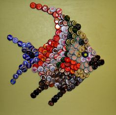 Items similar to Fish Wall Art Using Bottle Caps on Etsy - Unterwasserwelt Basteln Beer Bottle Top Crafts, Beer Cap Crafts, Bottle Cap Projects, Diy Bottle, Bottle Cap Art, Bottle Cap Images, Beer Cap Art, Beer Caps, Beaded Banners