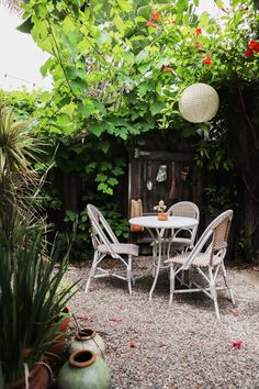 Tiny Canal Cottage's Whitney Leigh Morris shares her small patio ideas. Patio Dining, Outdoor Dining, Outdoor Spaces, Outdoor Decor, Outdoor Projects, Outdoor Furniture, Back Gardens, Small Gardens, Courtyard Gardens