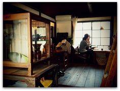 沢山の招き猫たちと楽しい時間を過ごした後は、カフェと雑貨のお店 ni:no ニーノ さんへ~♪              古民家の1階部分が...