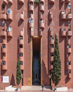 Monumental entrance. Walden-7 apartment building in Sant Just Desvern near Barcelona. Design by Ricardo Bofill (Taller d'Arquitectura). Built 1973-1975. _______________________________________________ #art_chitecture_ #arkiminimal #minimal_lookup #skyscraping_architecture #architecture_minimal #creative_architecture #lookingup_architecture #architecture #архитектура #archdaily #archilovers #passionpassport #buildingporn #bbctravel #thespacesilike #likesmagazine #hotshotz_architecture…