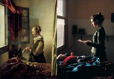 Vermeer - Tom Hunter Take a master work and recreate it using a modern twist. Light Photography, Color Photography, Tableaux Vivants, Ppr, A Level Art, Famous Photographers, Chiaroscuro, 2017 Photos, Human Condition