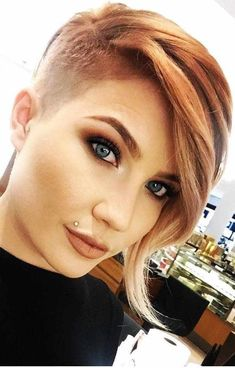 35 New Short Hairstyles for 2019 - Pixie & Bob Haircuts You Will LOVE, New Short Hairstyles for 2019 Among the female haircuts that will be fashionable in many girls will find well-known models. Latest Short Hairstyles, Bob Hairstyles For Fine Hair, Haircut For Thick Hair, Hairstyles Haircuts, Asymmetrical Bob Haircuts, Short Bob Haircuts, Short Hair Cuts, Short Hair Styles, Blonde Balayage Bob