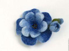 Купить Брошь Маленький Синий Цветочек. Украшение ручной работы - брошь цветок синий