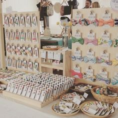 accessories display Today I am the the etsymadelocalmelbourne market! Upstairs in the Allpress gallery! Craft Fair Displays, Craft Stall Display, Bow Display, Vendor Displays, Craft Show Booths, Craft Show Ideas, Display Ideas, Earring Display, Market Stall Display