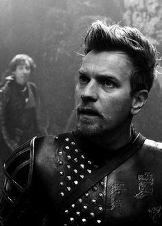 Ewan McGregor was super-hot in Jack the Giant Slayer. He stole the film. Star Wars, Jack The Giant Slayer, Bryan Singer, Alec Guinness, Jack And The Beanstalk, Ewan Mcgregor, New Clip, Portraits, Tom Hanks
