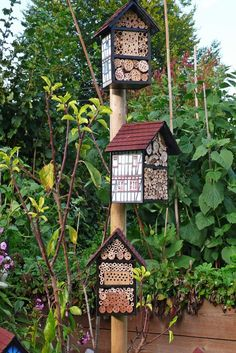 Insect hotels for Mason bees and other beneficial garden insects. Garden Bugs, Garden Insects, Garden Art, Garden Design, Bug Hotel, Mason Bees, Bee House, Beneficial Insects, Garden Projects