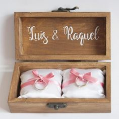 Cajita para anillos de boda personalizada Wedding Ring Box, Wedding Art, Card Box Wedding, Wedding Bride, Our Wedding, Dream Wedding, My Perfect Wedding, Bride Gifts, Vintage Theme