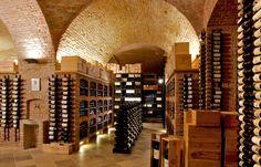 Wine Gallery in Emporda. Catalonia (Girona · Costa Brava · Catalunya)