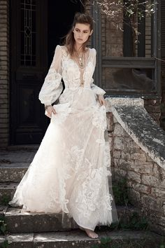 Be the ultimate boho babe witht his stunning dress! | Christos Costarellos Spring 2018 Collection #Wedding #luxury #weddinginspiration