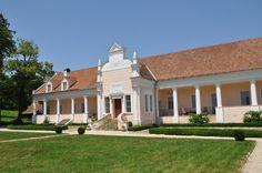 Confiscate sau părăsite. Regăsite și salvate. Metamorfoze spectaculoase de case vechi, conace și fabrici din România.