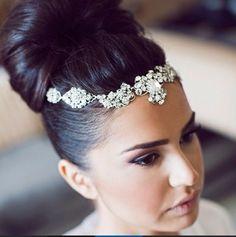 Bridal head chain available @miaelenabridal