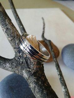 Mira este artículo en mi tienda de Etsy: https://www.etsy.com/listing/212954216/wedding-14k-white-gold-band