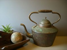 Vintage Copper Kettle / Pot.  Made in Italy. by Simply2nds on Etsy
