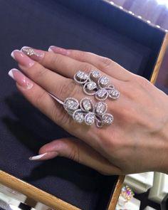 """66 Likes, 6 Comments - @sapphire__diamond__jewellery on Instagram: """"Qadınlar fərqlənməyi, seçilməyi sevirlər ☺️ Bu gözəlliklər sizi hər yerdə fərqləndirəcək ☝"""""""