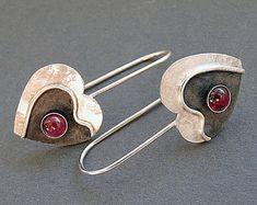 Sterling silver heart earrings with garnet - Silver earrings - Heart earrings - Silver jewelry - Handcrafted Sterling Silver Heart Earrings with Garnet by Kailajewellery, Heart Jewelry, Heart Earrings, Silver Earrings, Fine Jewelry, Black Gold Jewelry, Sterling Silver Jewelry, Artisan Jewelry, Handcrafted Jewelry, Designer Silver Jewellery