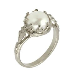 18k Gold Victorian Freshwater Cultured Peal Engagement Ring