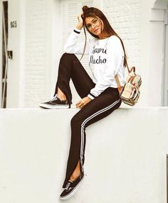 Gli Arcani Supremi (Vox clamantis in deserto - Gothian): New fashion trends and outfits for teens and young women in spring and summer 2019 New Teen Fashion, New Fashion Trends, Korean Fashion, Girl Fashion, Fashion Looks, Fashion Outfits, Simple Outfits, Outfits For Teens, Estilo Grunge