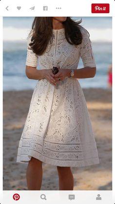 0994379677 Najbardziej inspirujące obrazy na tablicy sukienki (10)