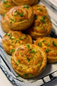 Savory Pastry, Savoury Baking, Real Food Recipes, Baking Recipes, Vegetarian Recipes, Snacks Für Party, Easy Snacks, I Love Food, Good Food