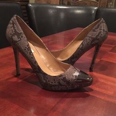 Steve Madden snake print heels Steve Madden snake print heels with silver toes.There's a little bit of scratch marks on the toes (see above pic) and some wear on the heels, but otherwise in great condition! Steve Madden Shoes Heels