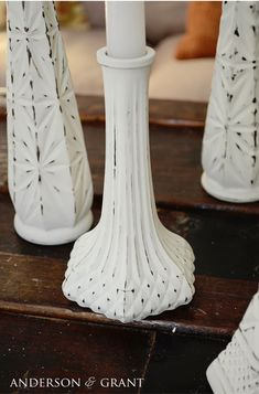Learn how to create shabby distressed painted candlesticks using thrift store glass bud vases. Vase Centerpieces, Vases Decor, Bud Vases, Flower Vases, Wall Vases, Clear Vases, Flower Pots, Flowers, Painted Candlesticks